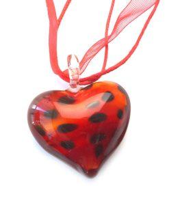 Kırmızı Kalpli Cam Kolye